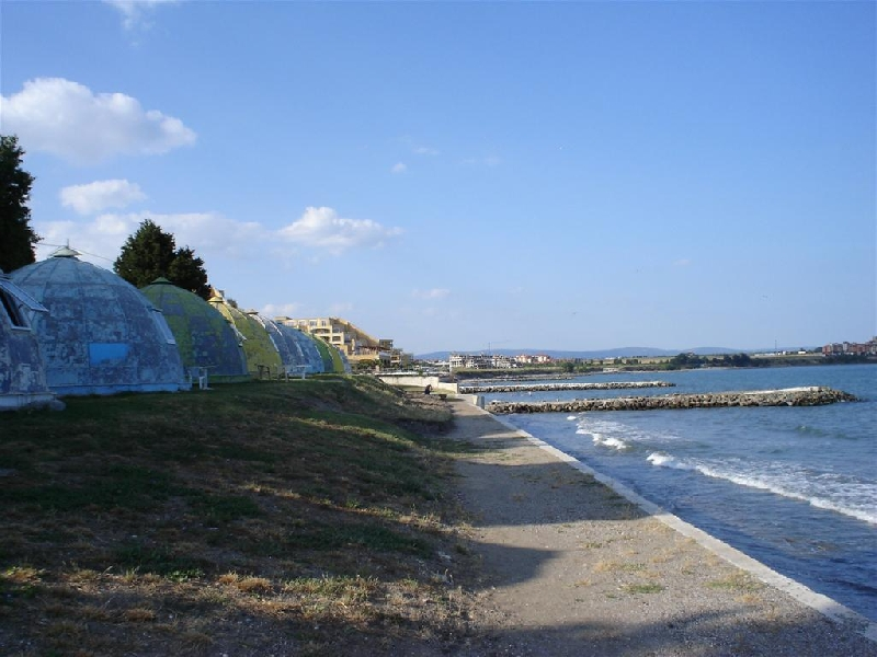 Къмпинг Ахелой Лозана на първа линия от плажа
